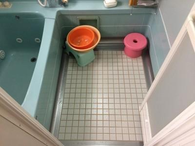水回り5点セット 浴室クリーニング施工前になります。